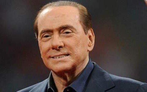 Berlusconi supera la infección pulmonar por COVID y deja el hospital