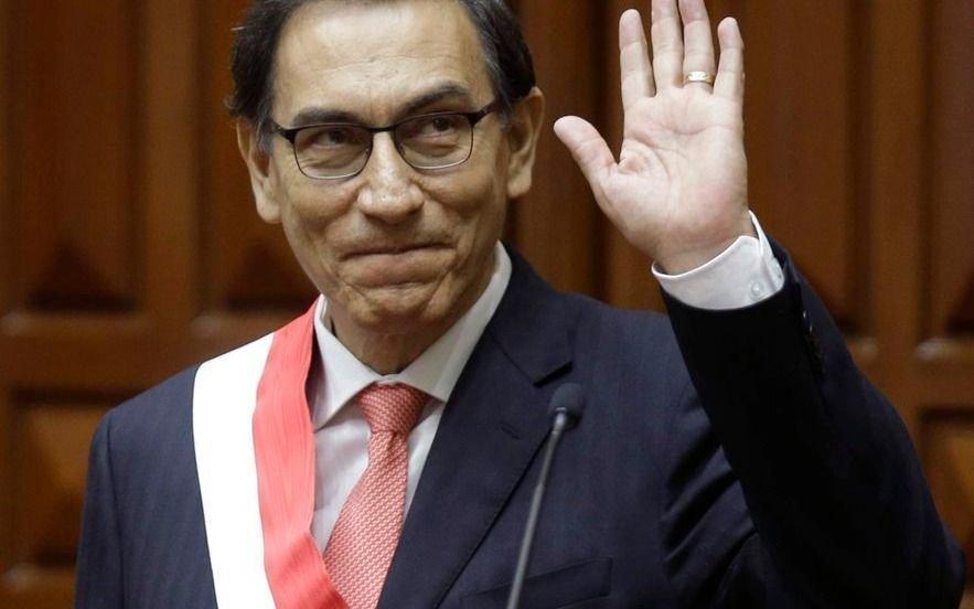 Perú: presentan recurso para frenar la destitución del presidente Vizcarra