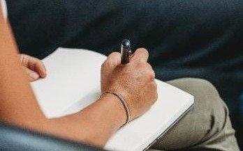 Aumentan las consultas a la línea de apoyo psicológico