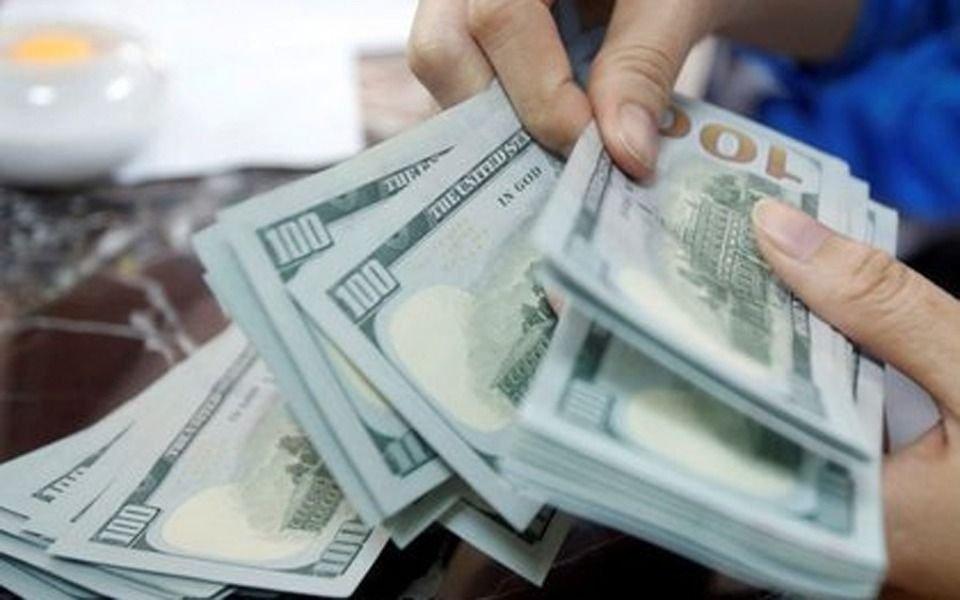 """Sin ventas del dólar ahorro, subieron el """"liqui"""" y el blue"""