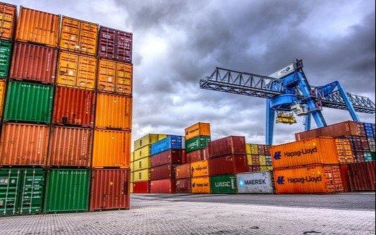 El superávit comercial fue el más bajo del año por la incidencia de la brecha cambiaria