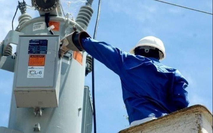 Amplían la red eléctrica en un sector de Parque Sicardi