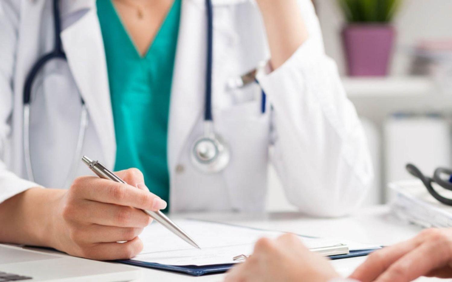 Pagan a médicos platenses y negociación por honorarios