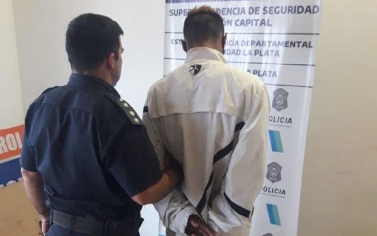 Detenido por ingresar a una oficina de Arba en el Centro