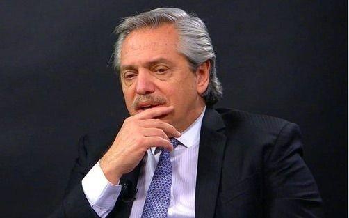 Al final, Alberto F. negoció para no quedar en soledad
