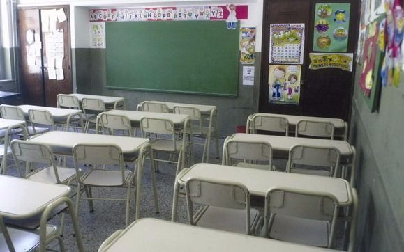 Uno de cada cuatro chicos de barrios populares abandonó los estudios durante 2020