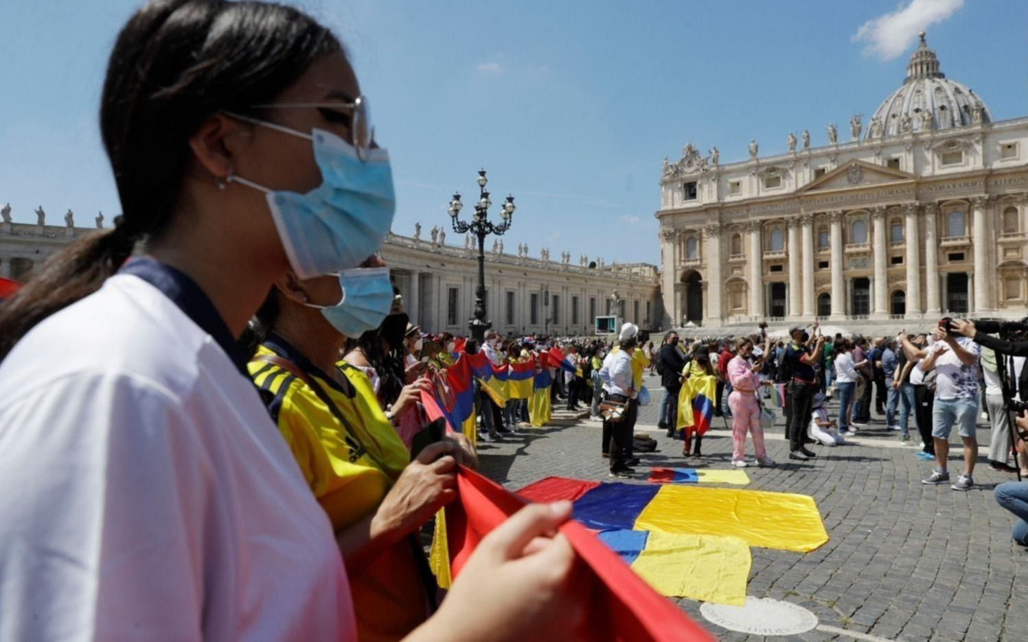 En Colombia, más protestas sociales y destrozos