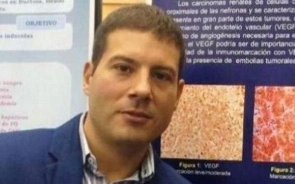 El urólogo que espera juicio, premiado como investigador