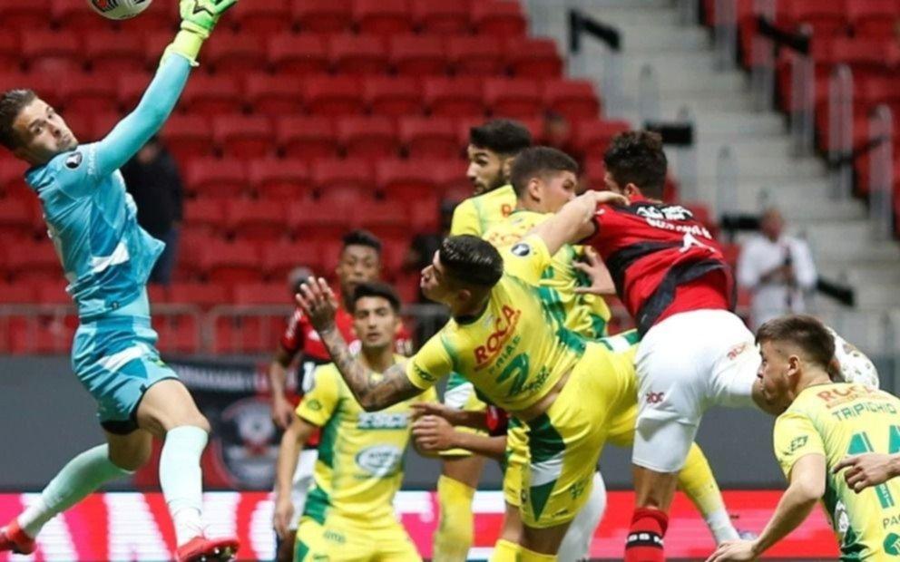 Defensa no pudo con el poderío de Flamengo