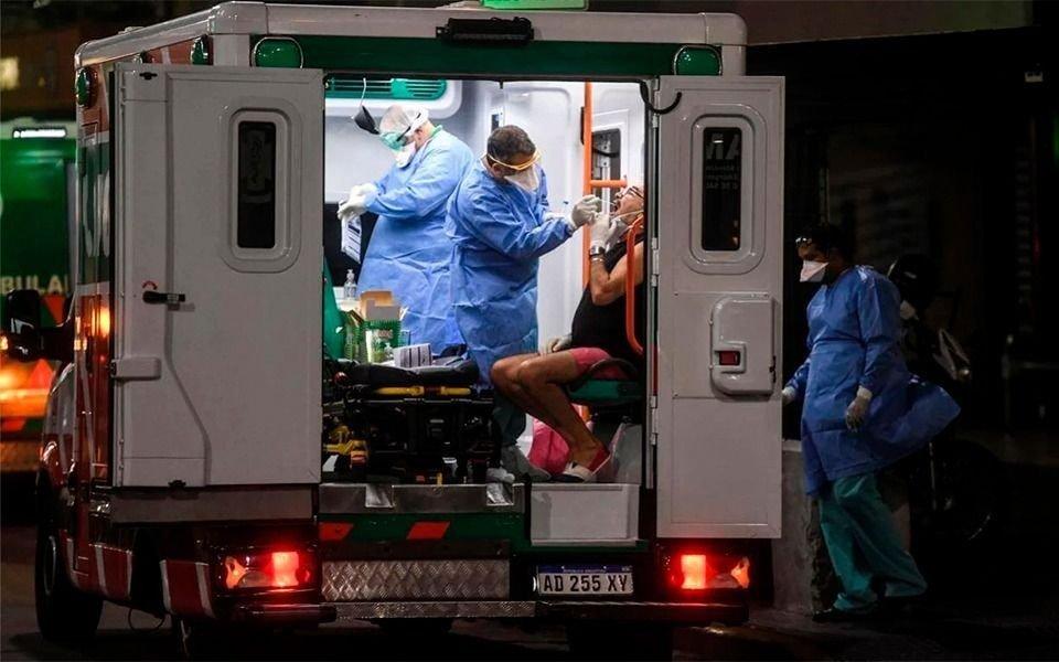 Otras 438 muertes y 14.632 nuevos casos en un día