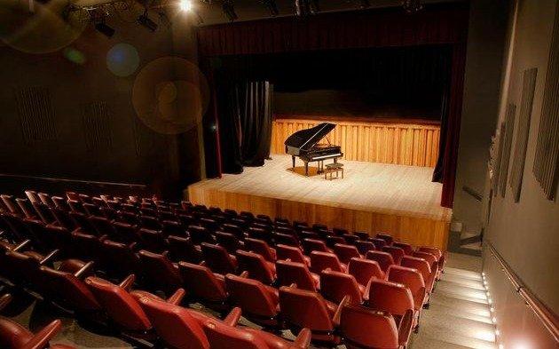 Reabren espacio de arte en el teatro de Cámara de City Bell