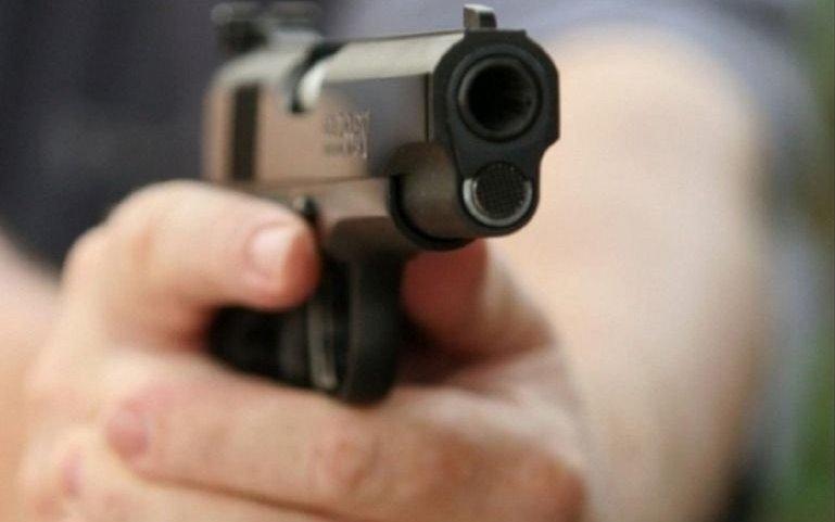 Agente vial vio a su ex en un operativo, la siguió en una patrulla y la mató