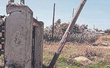 Arreglaron un poste de luz a punto de caer tras 10 días de reclamos