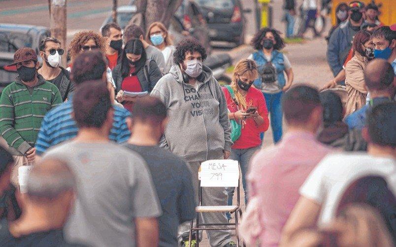 Los contagios, en baja: ¿Cuántos testeos se hacen?